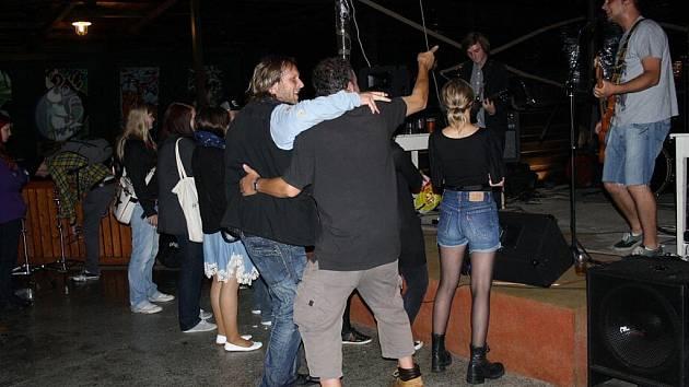 V areálu halenkovského parku se v sobotu 30. července představily hned čtyři kapely