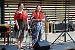 Ve Vsetíně slavnostně otevřeli ve čtvrtek 25. června 2020 nové náměstí Jarmily Šulákové. Zleva Klára Blažková a Zuzana Pavlůsková.