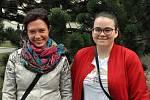 Programové koordinátorky festivalu lidskoprávních dokumentárních filmů Jeden svět Vsetín 2019 Světla Studenská (vlevo) a Anna Ševčíková.