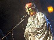 Arthur Brown vystupuje na 34. ročníku festivalu Valašský špalíček ve Valašském Meziřičí.