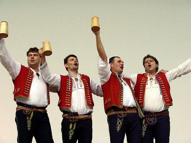 Ve Valašském Meziříčí se konal Mezinárodní folklorní festival Babí léto.