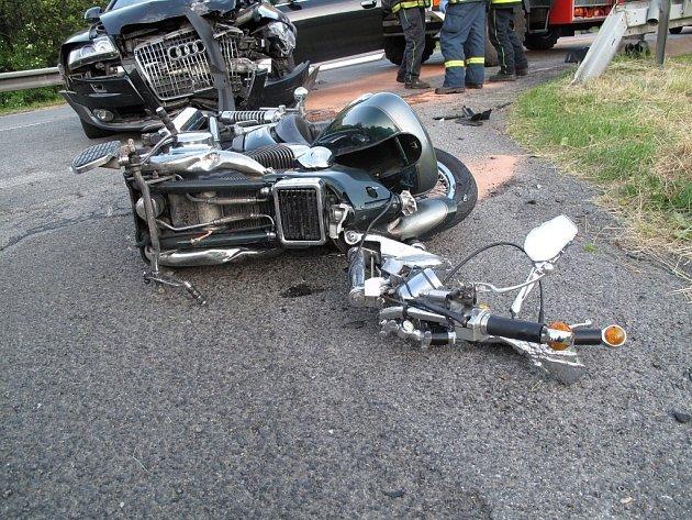 Tragická dopravní nehoda v Rožnově pod Radhoštěm.