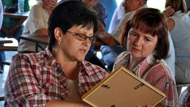 V Huslenkách na Vsetínsku oslavovali v sobotu 23. června 2012 třicet let partnerství a družby se slovenskou obcí Jasenica