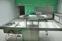 Ve Vsetínské nemocnici, a. s. ve čtvrtek 7. dubna slavnostně otevřeli nový pavilon Patologie a centralizovaných laboratorních provozů