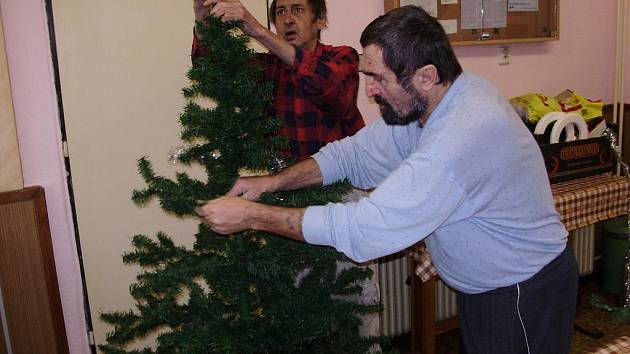 Vánoce v azylovém domě. Ilustrační foto.