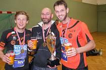 Volejbalista Jan Krba (oranžový dres s číslem 2 ) slavil v Rakousku bronz.