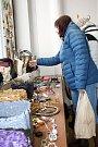 Třetí ročník Jarního bazárku kabelek uspořádali pracovníci organizace Elim Vsetín v úterý 20. března 2018.