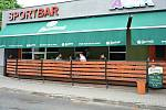 Vsetínské restaurace otevřely zahrádky. Posezení si užívali hosté v sídlišti Ohrada .