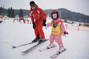 Výuka lyžování ve Ski areálu Razula.