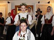 Retrospektivní výstava s názvem Svatba včera a dnes je od 18.května 2017 k vidění v galerii Petrohrad v Zubří.