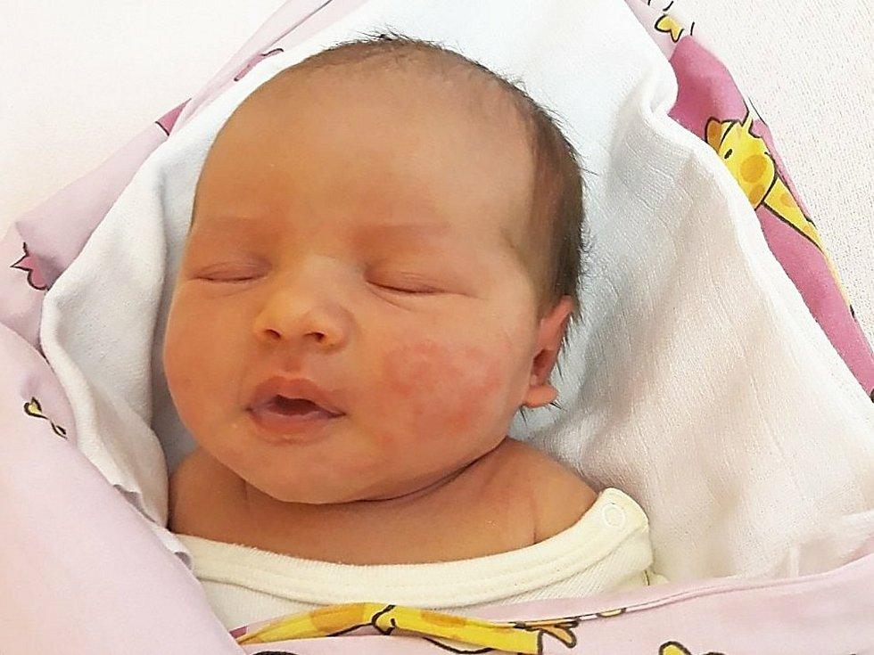 Rozálie Součková, Nový Jičín, narozena 5. dubna 2021 ve Valašském Meziříčí, míra 51 cm, váha 3880 g