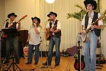 OK Country se inspiruje jinými country kapelami, předvádí ale i vlastní převážně folkovou tvorbu.