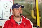 Hokejový trenér Luboš Jenáček.
