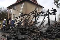 Ve Valašské Bystřici došlo k rozsáhlému požáru celodřevěné kůlny u domu.