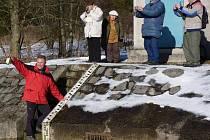 Organizátoři z Klubu českých turistů uspořádali v sobotu slavnostní odběr vody z karolinské přehrady Stanovnice.