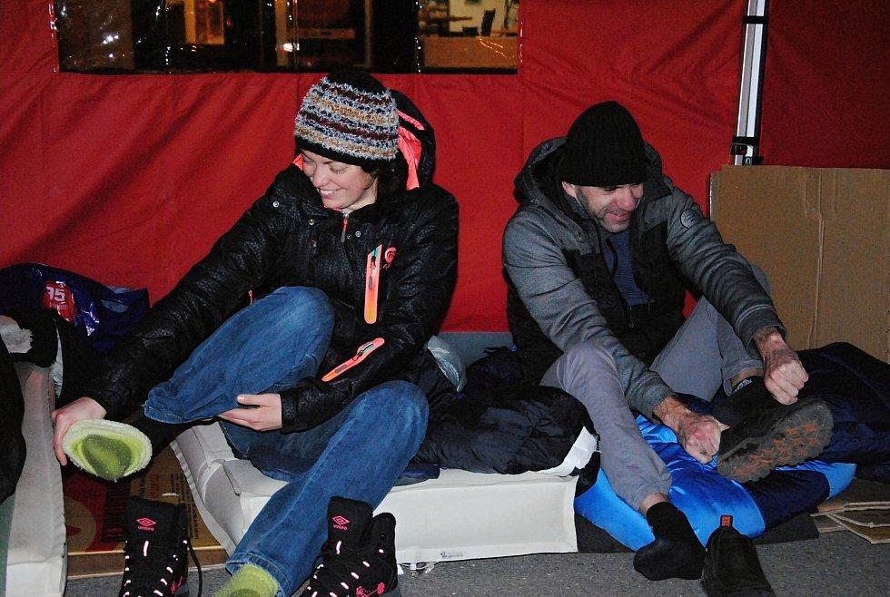 Do kampaně Noc venku se ve čtvrtek 23. listopadu 2017 ve Valašském Meziříčí zapojilo čtrnáct lidí. Venku přespalo čtrnáct dobrovolníků.