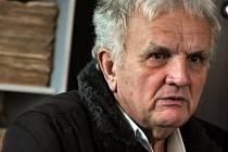 Pětašedesátiletý Josef Bělíček z Leskovce si v roce 2008 zakoupil vůz v autobazaru. Netušil, že auto bylo dříve bourané.
