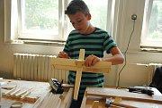 Prvního ročníku soutěže O zlatou olovnici se v pondělí 11. června 2018 na valašskomeziříčské Střední průmyslové škole stavební zúčastnilo devět chlapců a dvě dívky ze základních škol.