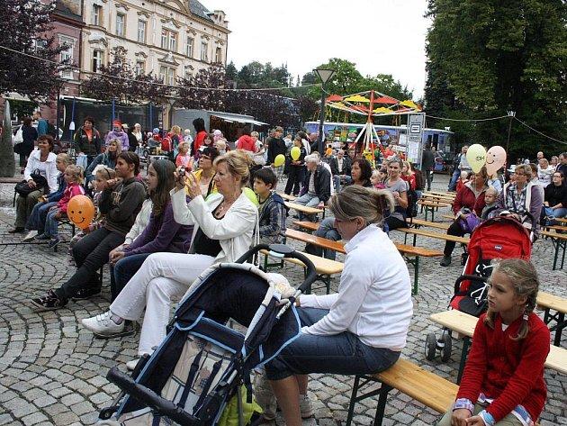 Druhý den Valašského záření vylákal do ulic Vsetína davy lidí.