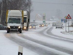 Husté sněžení dorazilo v úterý 16. ledna 2018 odpoledne na Valašsko