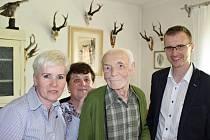 Ladislav Křenek z Rožnova pod Radhoštěm oslavil v sobotu 21. května 2016 své 101. narozeniny.