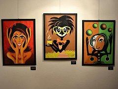 Ve vsetínské galerii Stará radnice představila na vernisáži své obrazy místní rodačka Markéta Evjáková