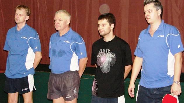 Tým Vsetína sezony 2008 – 2009: zleva Štefan Sagáčik, Petr Polák, Dan Ondryáš, Libor Slováček. na snímku chybí zbývající člen družstva Petr Slováček.