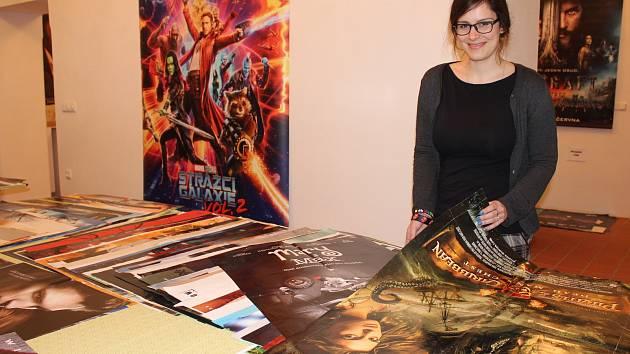 Ve valašskomeziříčském Muzejním a galerijním centru začala v úterý 13. února 2018 burza filmových plakátů, které nastřádalo místní kino Svět během patnácti let.
