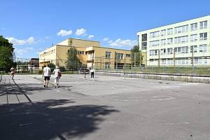 O konečném využití všech tří hřišť u SVČ Domeček se teprve rozhodne. Ve hře je místo pro parkour, koloběžky i míčové hry.