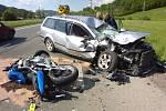 K tragické dopravní nehodě došlo dnes odpoledne ve Vsetíně. Zemřeli při ní dva lidé.