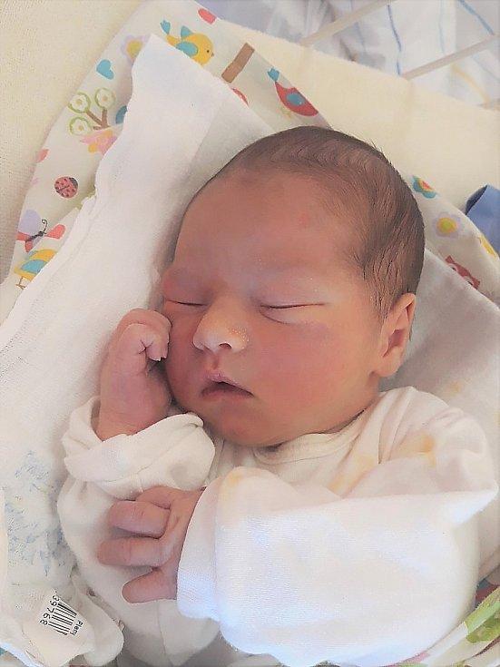 Martin Pilmajer, Valašské Meziříčí, narozen 2. dubna 2021 ve Valašském Meziříčí, míra 52 cm, váha 3640 g