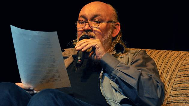 Noc literatury 2015 ve Vsetíně. Na snímku František Segrado. Ilustrační foto.