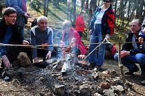 Otevírání turistických stezek v Pulčinských skalách u Francovy Lhoty