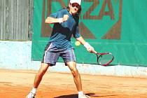 Hráč tenisového klubu TK Deza Valašské Meziříčí Jan Lošťák.
