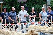 Téměř třicítka borců se sešla v sobotu 12. května 2018 na třetím ročníku dřevorubecké soutěže. Bojovali o titul Prlovský dřevař. Klání je divácky atraktivní.