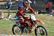 Čtyřicátý čtvrtý ročník legendárního závodu terénních motocyklů Zděchovská grapa.