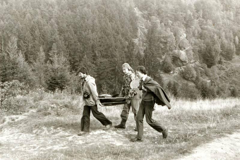Jaromír Navrátil je dobrovolným strážcem CHKO Beskydy. Pulčínské skály mu učarovaly už v dětství. Je i okolí chrání už přes čtyřicet let. První velký úklid uspořádal v 19 letech. Našli i rozložené kamna.