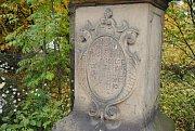 Stěhování barokního kříže z roku 1771 ve Valašském Meziříčí