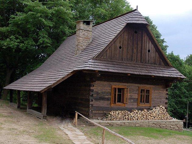 Dům s podsíňkem a sklepem z Velkých Karlovic – Jezerného č.p. 37