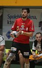 Házenkáři Zubří (v červeném) v rozhodujícím 5. zápase play-off o bronzové medaile ve středu ve své hale hostili Lovosice.