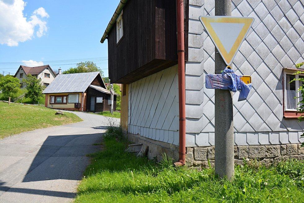 I. etapa cyklostezky Bevlava vede ze Vsetína přes Ústí, Leskovec, Valašskou Polanku do Lužné. Průjezd Lužnou, 10.6.2021.