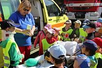 Osmý ročník preventivní akce Hurá děti! Bezpečně na prázdniny na náměstí ve Valašském Meziříčí, středa 24. června 2015.