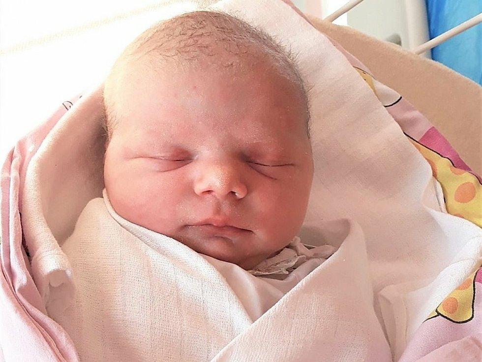Sofie Hujová, Valašské Meziříčí, narozena 10. ledna 2021 ve Valašském Meziříčí, váha 3400 g