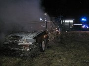 Požár auta v Hošťálkové.