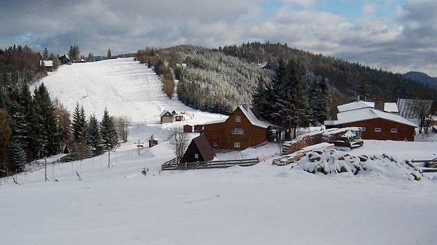 Lyžařská střediska v oblasti Kohútka-Portáš pokrývá sníh