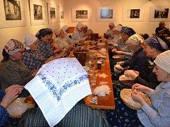 Pořadu nazvaném Drápání peří s Karlovjankami patřilo sobotní (20. 2.) odpoledne ve Zvonici Na Solán.