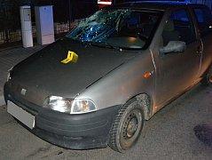 Osobní auto ve čtvrtek 17. března 2017 večer v Hošťálkové na Vsetínsku srazilo a vážně zranilo sedmašedesátiletého chodce