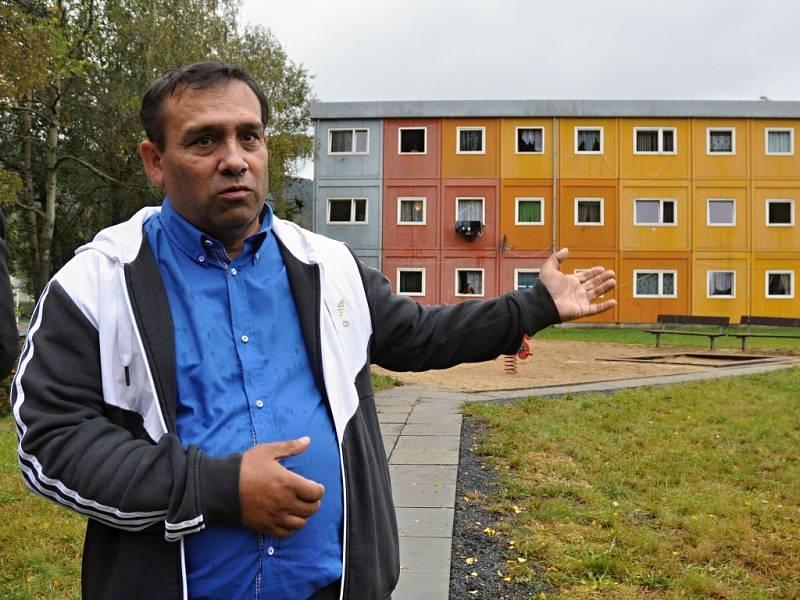 Kontejnerové domy v lokalitě Poschlá na periferii Vsetína stojí už deset let. Obývá je především romská komunita.
