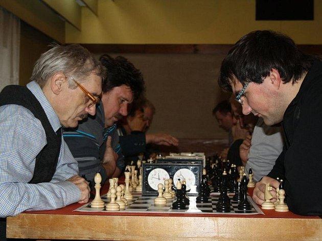 Jedenáctého ročníku šachového turnaje se zúčastnilo pětatřicet šachistů z celého kraje.