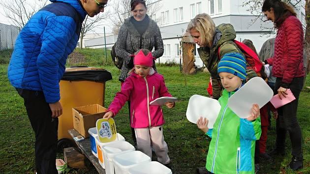 Recyklohrátky ve Valašském ekocentru ve Valašském Meziříčí; neděle 20. října 2019.